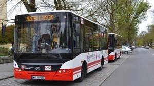 WARSAW BUYS 130 NEW ELECTRIC BUSES