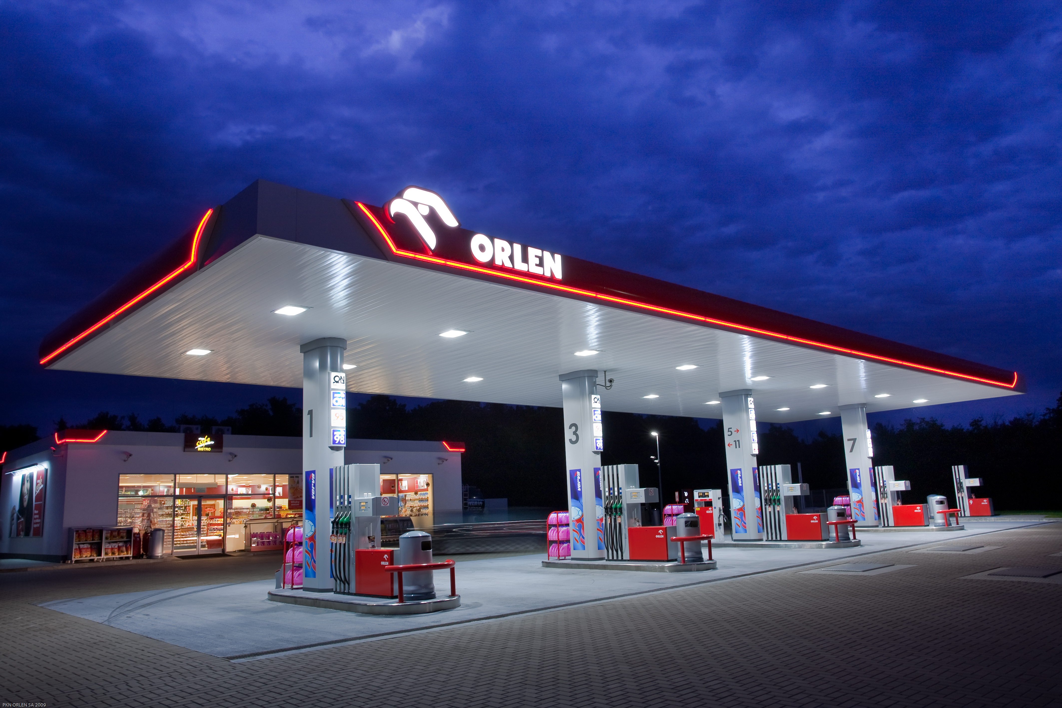 IN POLAND, A FUEL GIANT IS APPEARING