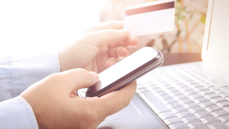 Е-крамниці виграють від заборони торгівлі