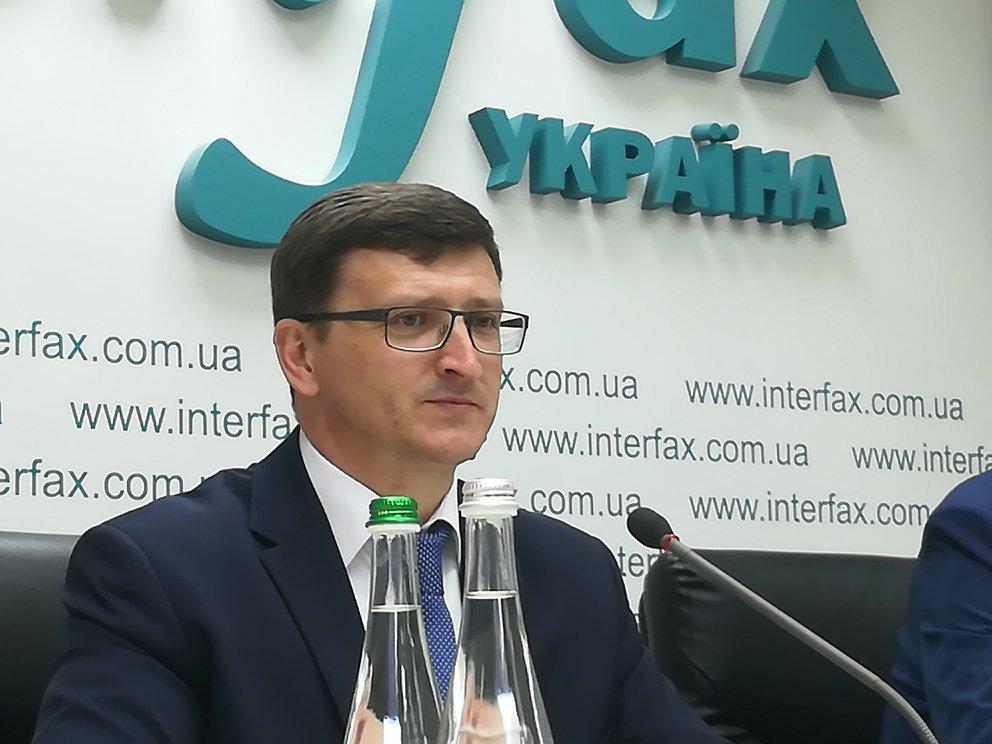 З українців більше не будуть вимагати плату за можливість працевлаштування в Польщі.