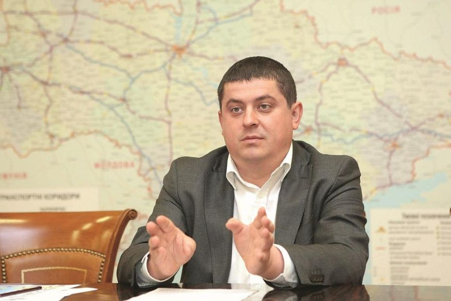"""""""Народний фронт"""" запропонував створити спеціальне відомство у справах заробітчан"""