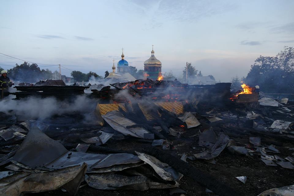 Біля Калуша ущент згоріла церква.