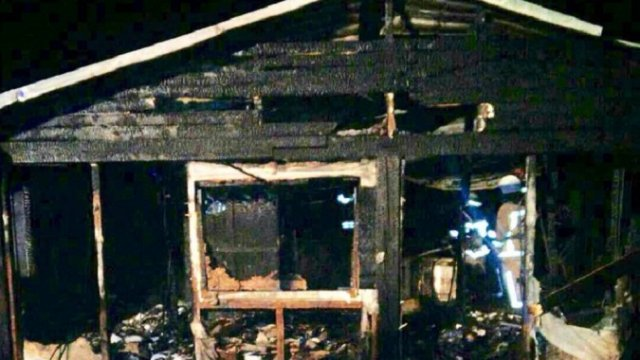 У нічній пожежі під Львовом згорів ресторан «Козацька рада» (відео)