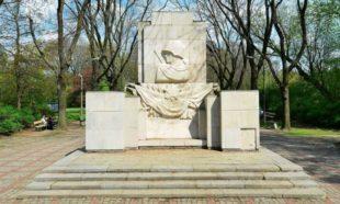 Цьогоріч у Варшаві розберуть пам'ятник Подяки радянським солдатам