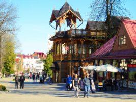 Трускавець приваблює щораз більше відпочивальників з Польщі