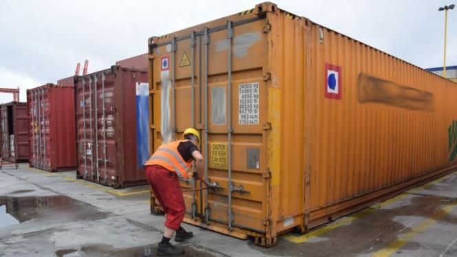 У Великій Британії розслідують справу про вивезення відходів до Польщі