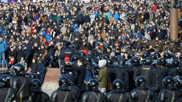 Чи московський трон вже хитається?