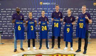 Барселона презентувала українського новачка команди