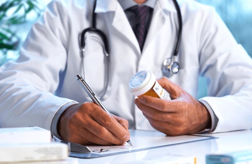 """Незабаром лікарі-ФОП зможуть виписувати рецепти за програмою """"Доступні ліки"""""""