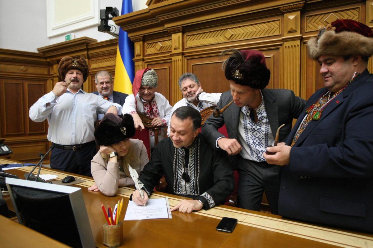 У Порошенко предложили ответить Путину в стиле письма запорожцев султану. Там много ругательств