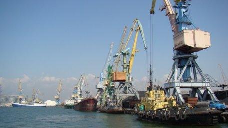 Росія частково розблокувала українські порти на Азовському морі