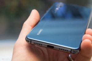 У Польщі заборонять користуватися телефонами Huawei?