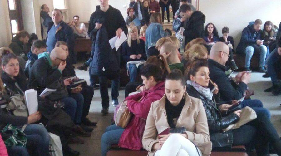 «Уженди» перевірять, чому так довго розглядають справи іноземців, і як це шкодить Польщі