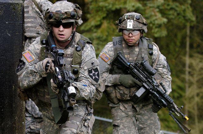 Кому перешкоджають війська США у Польщі?