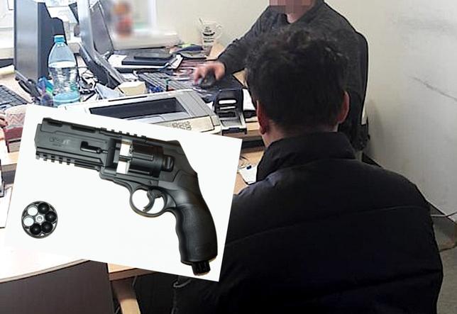 """У Варшаві підліток з пневматичного пістолету обстріляв знайомого, бо.. """"на дух не переносив його"""""""