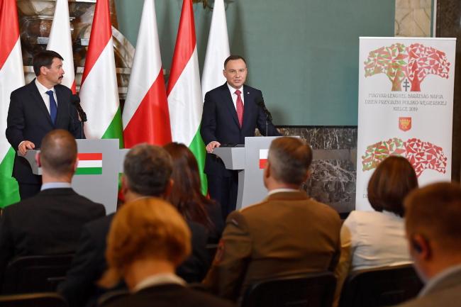 Польсько-угорське співробітництво процвітає, – заявили президенти обох країн