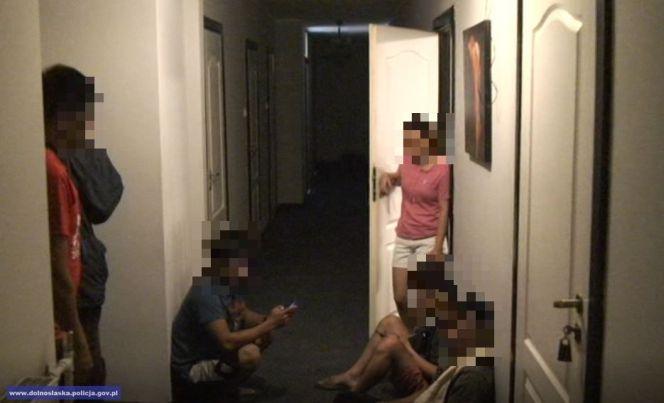 На заході Польщі затримали двох чоловіків за підозрою у торгівлі людьми