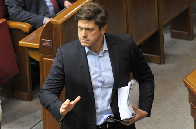 Документи часів Гриценка знищено - Вінник заявив про довіреності на продаж військової техніки