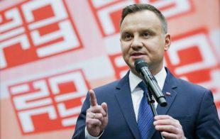 Дуда поздравил Зеленского и пригласил в Польшу