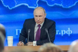 Путін видав декрет про надання громадянства мешканцям ОРДЛО