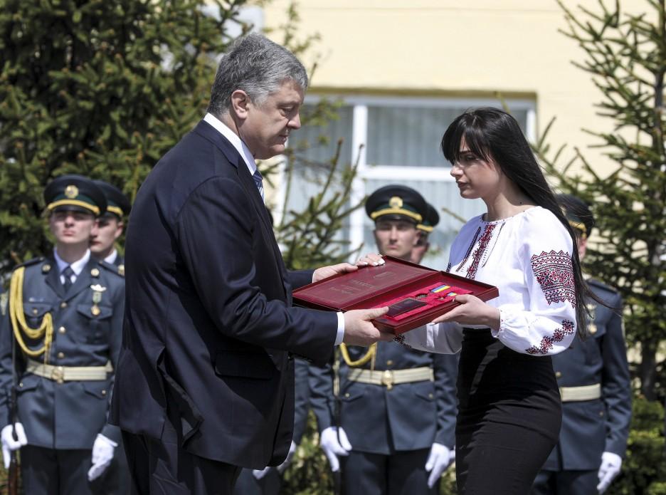 Президент присвоил звание Герой Украины генерал-майору Игорю Момоту посмертно