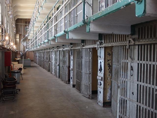 Російська тюремна служба зняла відеокліп зі сценами знущання над в'язнями