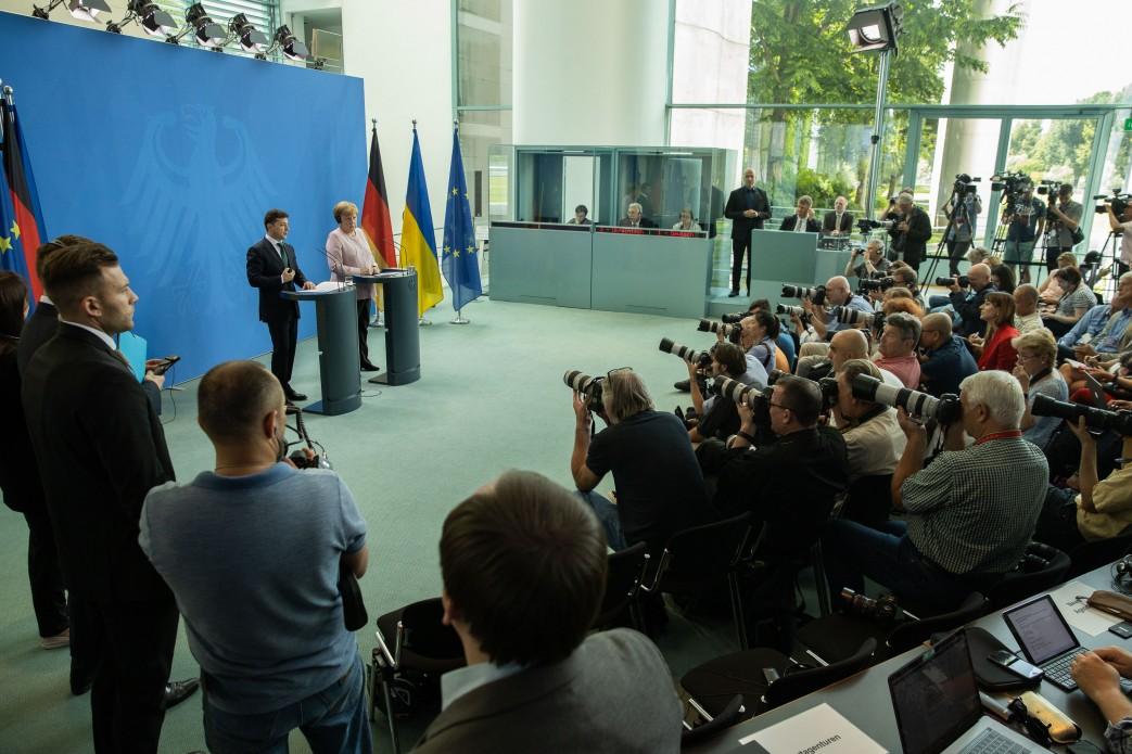 В Берлине Президент подчеркнул свою решимость в борьбе с коррупцией и защите прав инвесторов