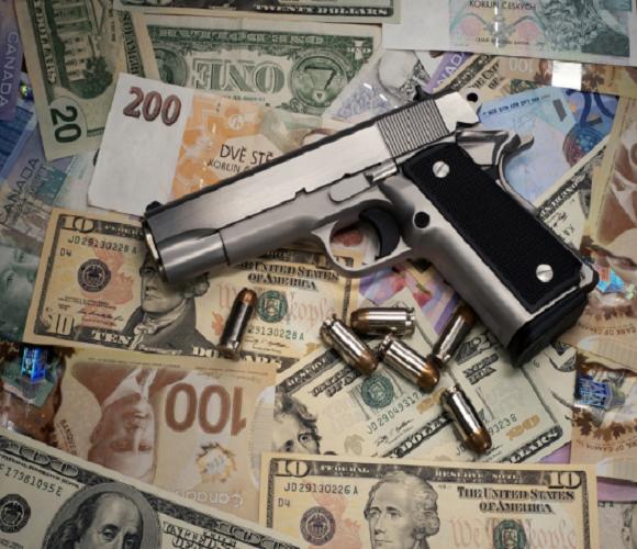 Битва за торгівлю наркотиками: в Кракові затримали 20 громадян Росії