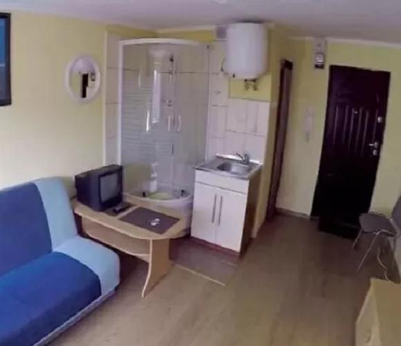 Квартирне питання: українцям в Польщі пропонують жахливе житло (фото)
