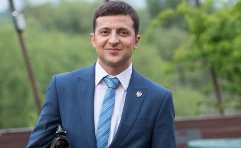 Зеленский готов разрешить поиск польских захоронений в Украине