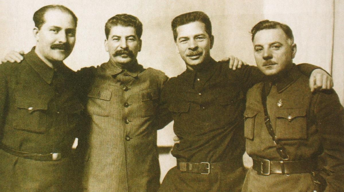 Історик: Більшовицьку партію можна сміливо вважати такою ж злочинною організацією, як і НСДАП