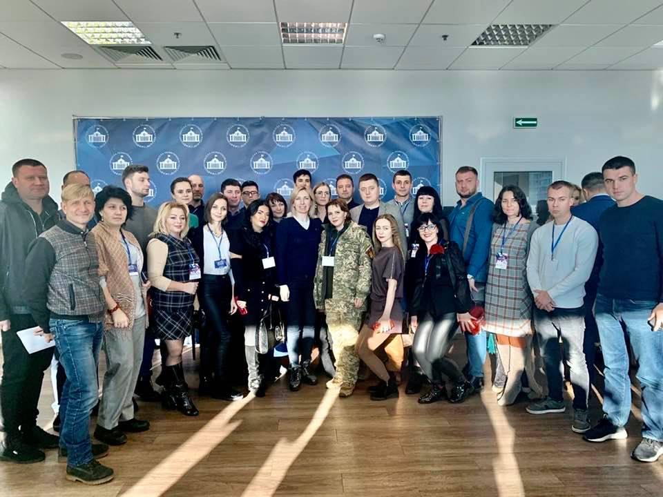 Мій недільний ранок сьогодні пройшов в компанії розумних і досвідчених, сильних і спраглих змін патріотів України!