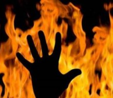 У Вроцлаві на вулиці загорілася молода дівчина: має 80% опіків тіла