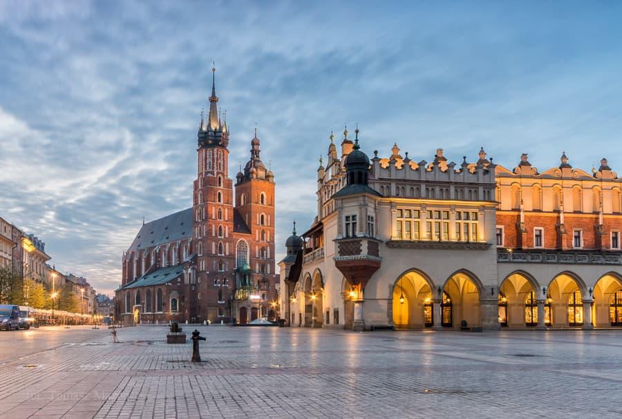 Українця, чий дрон застряг на дахівці Маріацької базиліки у Кракові, затримали