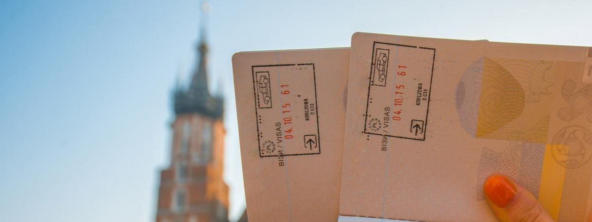 Робота в Польщі: свіжі дані по чергах у візових центрах