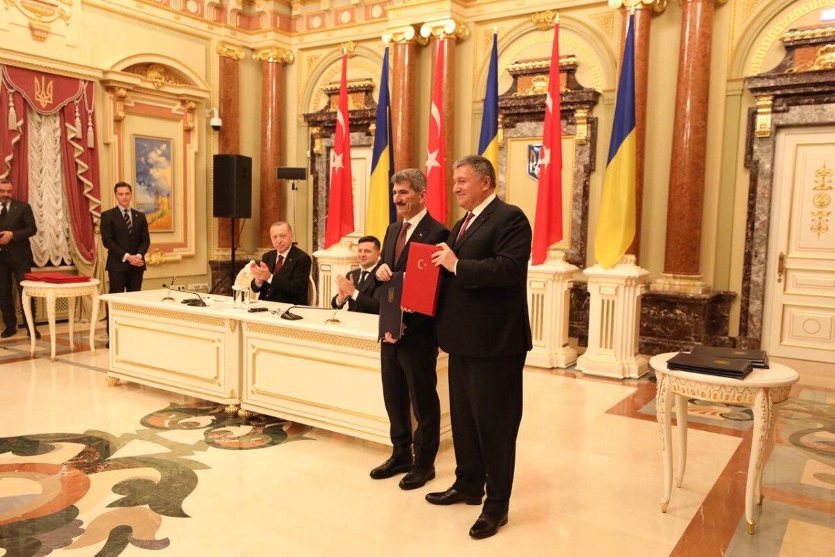 Україна та Туреччина підписали Угоду про взаємний обмін водійських посвідчень
