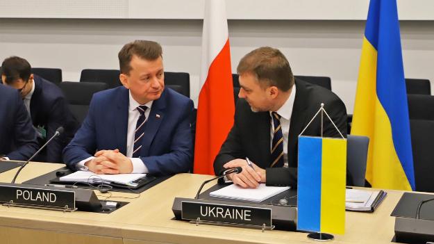 Міністри оборони Польщі та України обговорили військову співпрацю
