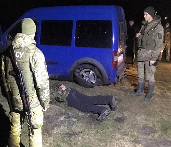 У Раві-Руській українець протаранив пункт пропуску: йому загрожує 2 роки ув'язнення