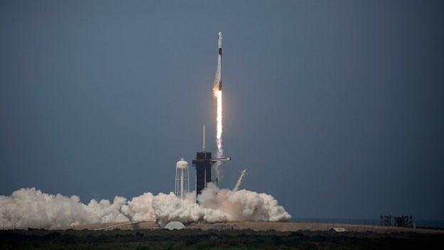 """Корабль """"Драгон"""" Илона Маска успешно стартовал к МКС с мыса Канаверал. Как это было (видео)"""