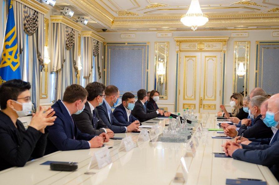 Вчера принял участие во встрече представителей Меджлиса крымскотатарского народа с Президентом Украины Владимиром Зеленским