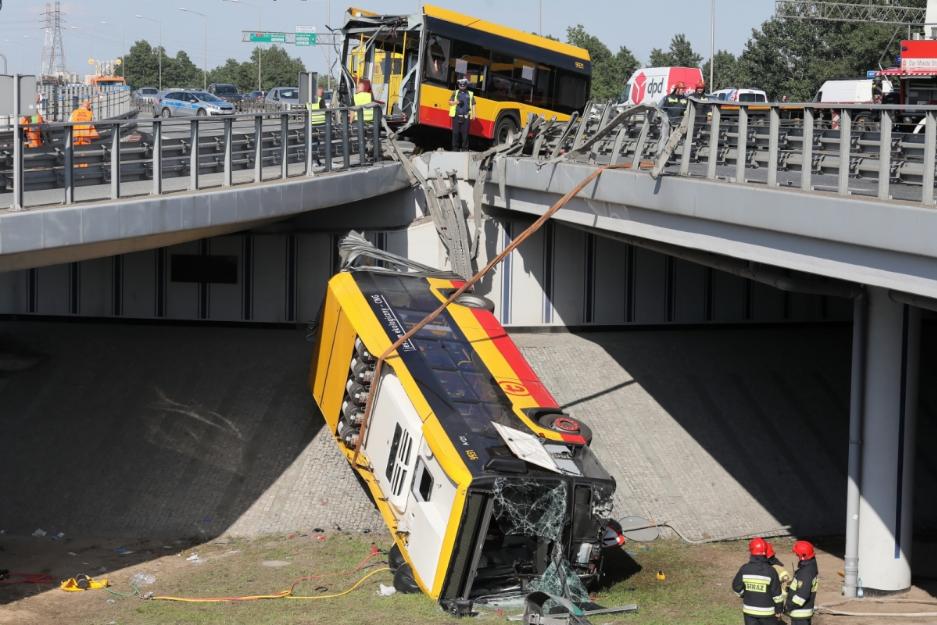 Водія автобуса, який розбився у Варшаві, арештували