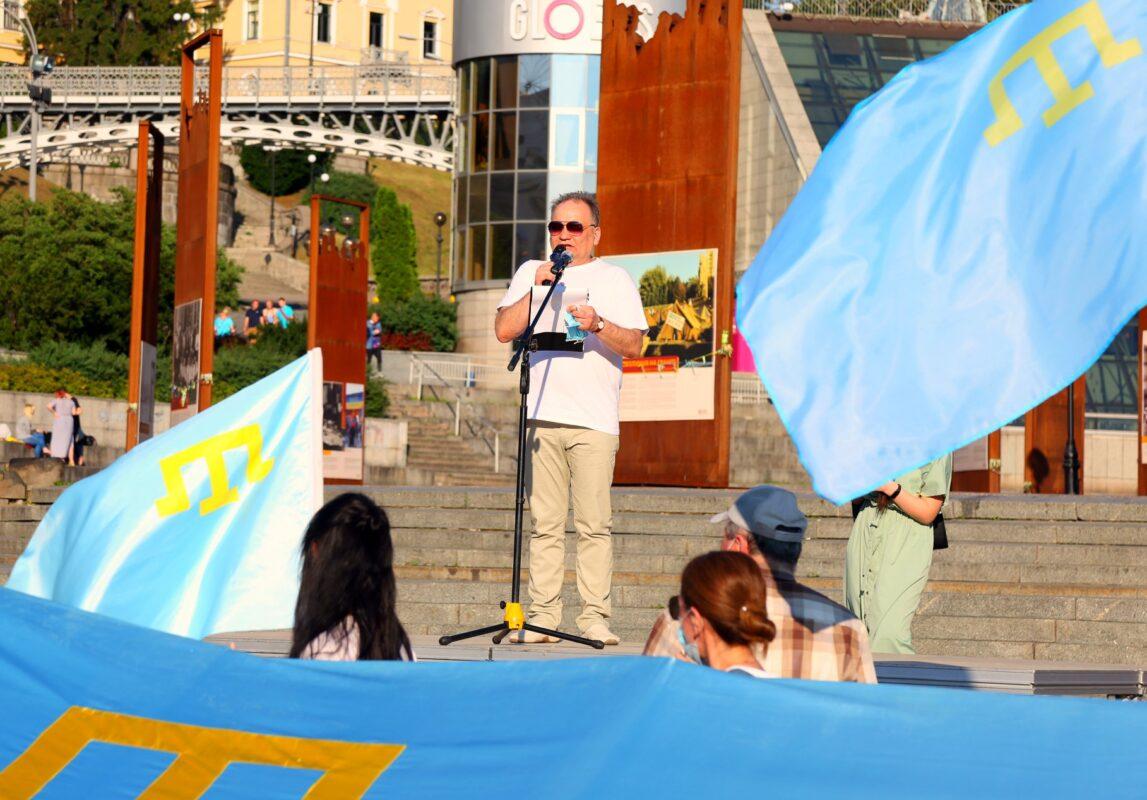 Хорошими фотографиями поделиться никогда не поздно или как мы отметили 10-ю годовщину Дня крымскотатарского флага
