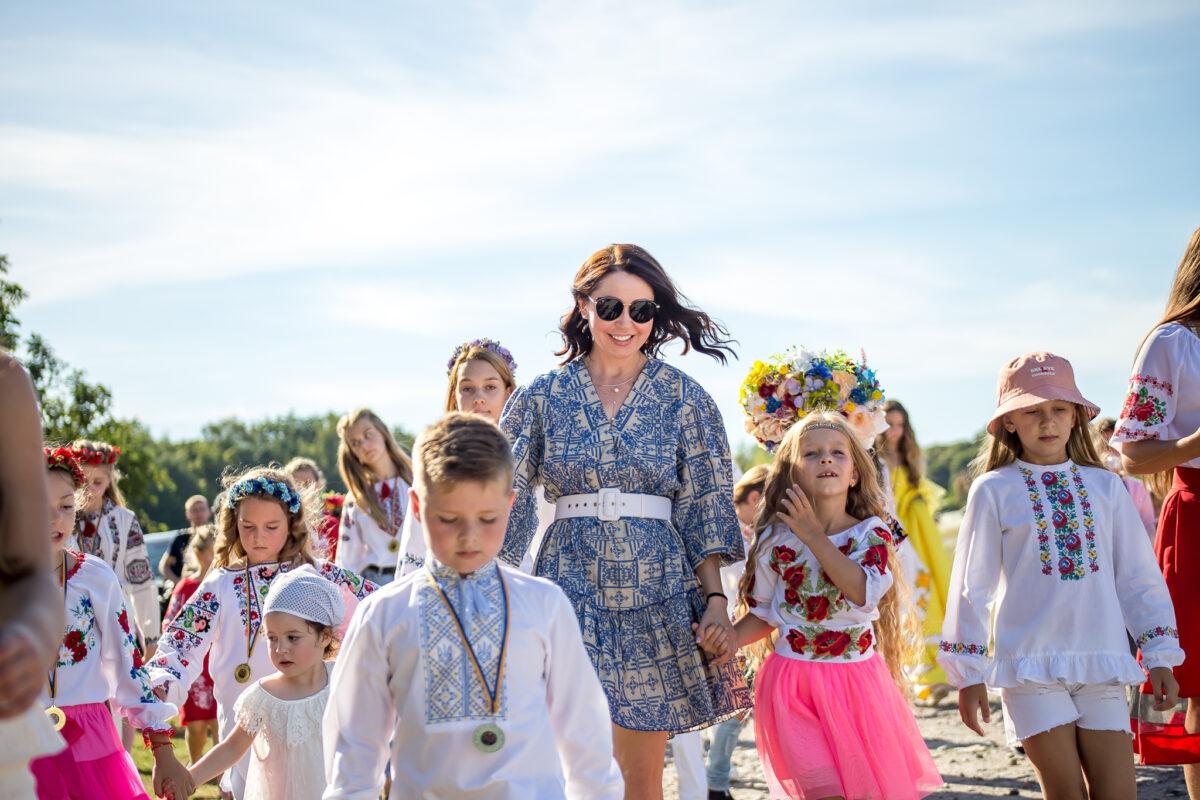 Татьяна Петракова представила IV энциклопедию детских талантов