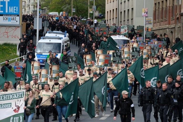 Мітинг іспанських націоналістів під стінами українського посольства та його російське походження
