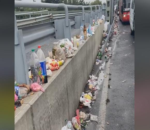 Люди перетворили кордон на смітник (шокуюче відео)