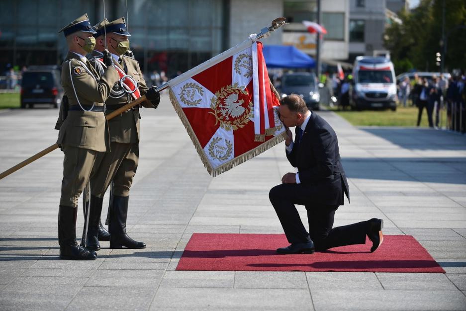Президент Анджей Дуда прийняв командування Збройними силами Польщі