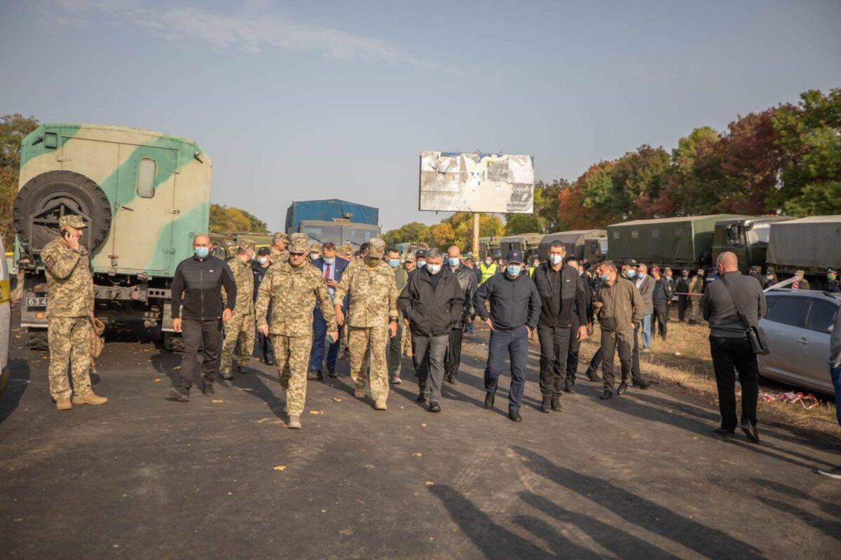 Падіння військового літака: почала працювати комісія з розслідування причин трагедії (фото)
