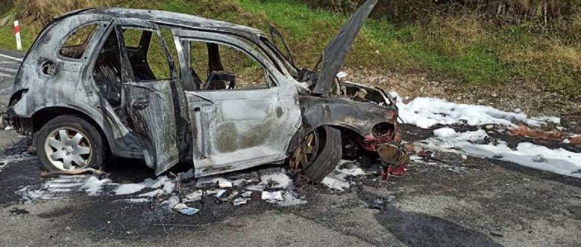 В Польщі дотла згоріло авто, в якому були українці: 5-ро осіб травмовано (фото)