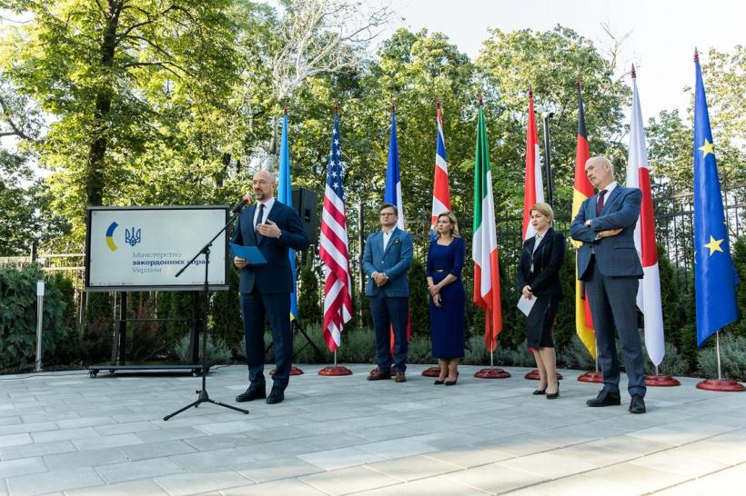 Прем'єр-міністр взяв участь в урочистих заходах з нагоди приєднання України до «Партнерства Біарріц»