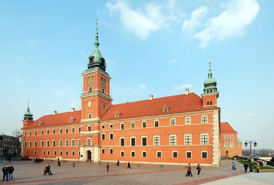 У ці вихідні Королівський замок у Варшаві буде мати білоруські барви
